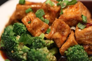 vegan-broccoli_tofu-zoom
